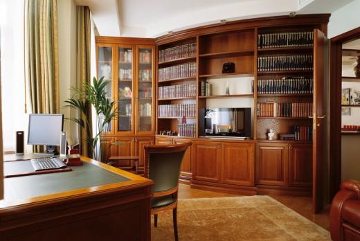 Класический кабинет в квартире