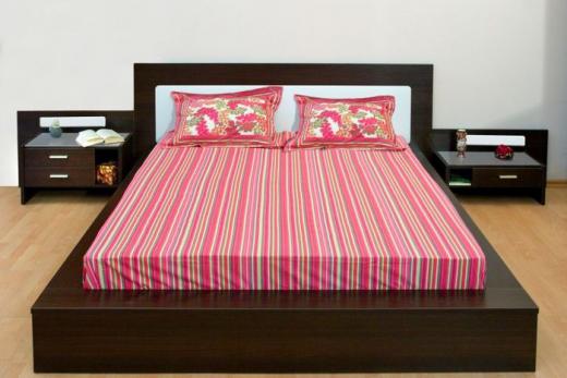 Расположение кровати на своеобразном подиуме